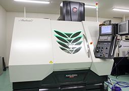 実加工精度 ±1μm以下の 超高精度高速微細加工機