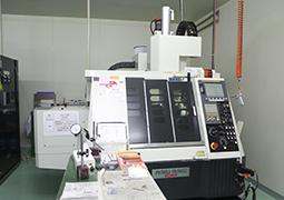 高精度高速小径微細加工機 碌々産業製 MEGA(メガ)