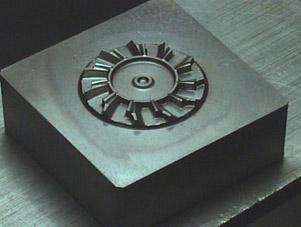SKD 微細形状加工