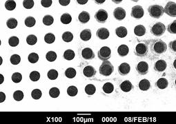 微細穴加工一例