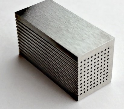 SUS304φ0.1 微細穴加工